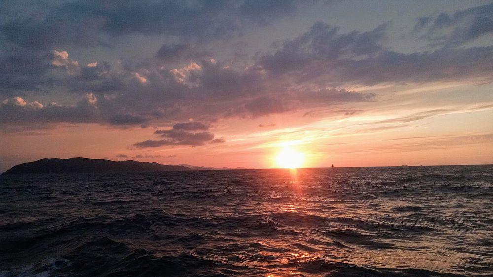 日本海へ沈む夕日