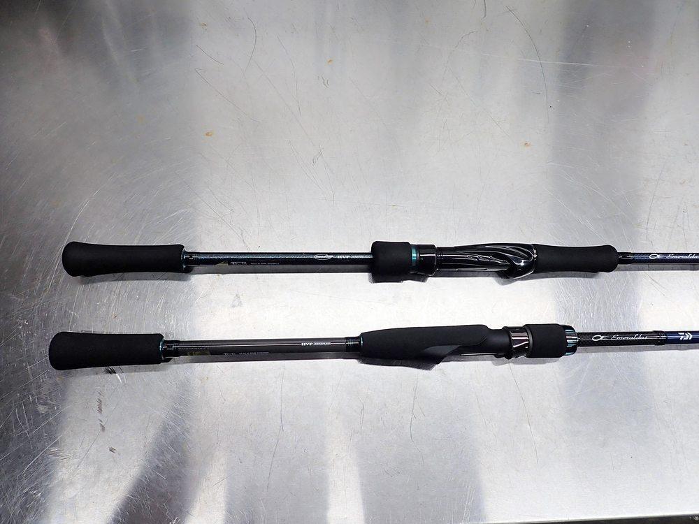 (上) エメラルダス MX 711LML-S・E (下)20 エメラルダス AIR AGS 711M-S
